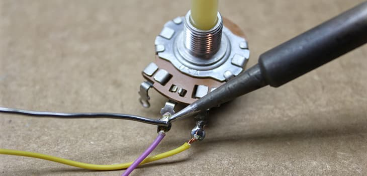 Soldering a new potentiometer into the Atari CX30 paddle controller